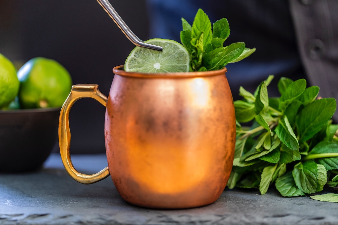 Moscow Mule in Kupferbecher Cocktail Rezept
